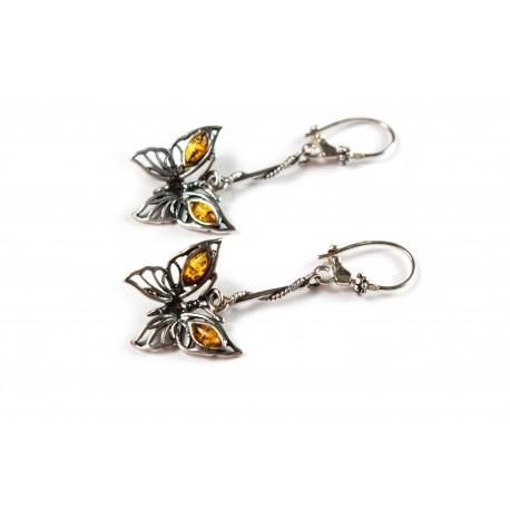 Prisikėlę drugeliai