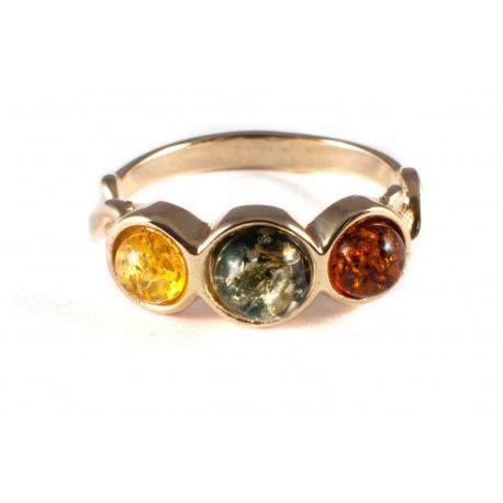 Auksinis žiedas su trijų spalvų gintaru