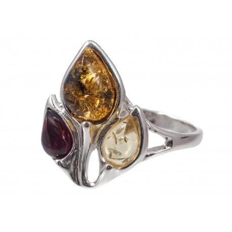 Sidabrinis gintaro žiedas