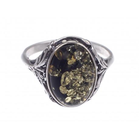 Sidabro žiedas su žaliu gintaru