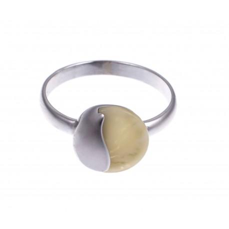 """Sidabrinis žiedas su baltu Baltijos jūros gintaru """"Kopos"""""""