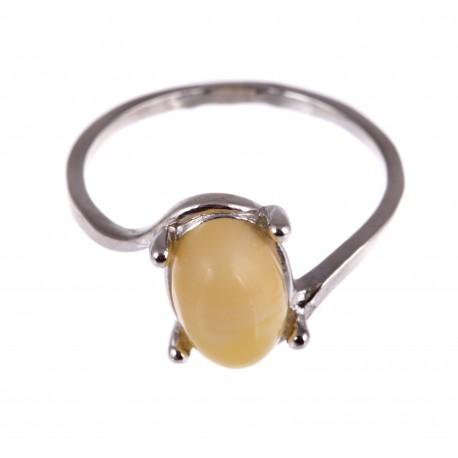 Sidabrinis žiedas su vaiskiu,baltu gintaru