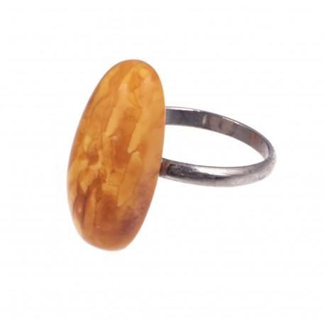 Metalo žiedas su antikvariniu Baltijos gintaru